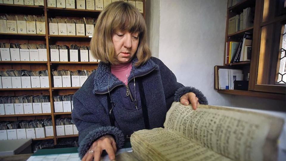 Corine Schleif studying ancient text